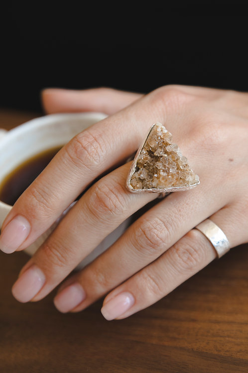 Ring with triangular chalcedony // silver 925