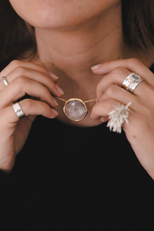 Necklace with rock crystal // gold-plated