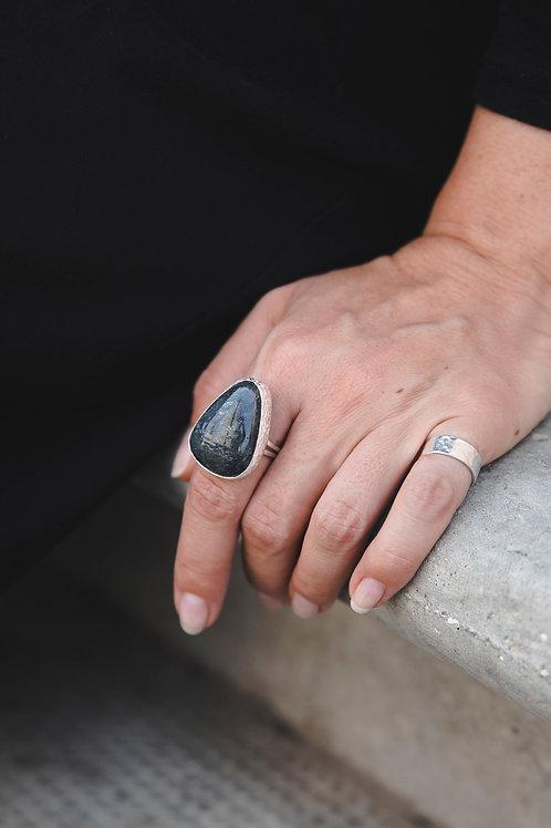Ring with utkinite // silver