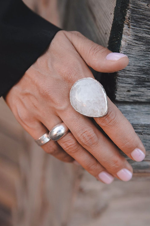 Ring with big moonstone drop // silver 925