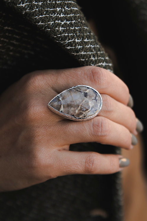 Ring with moonstone // silver 925