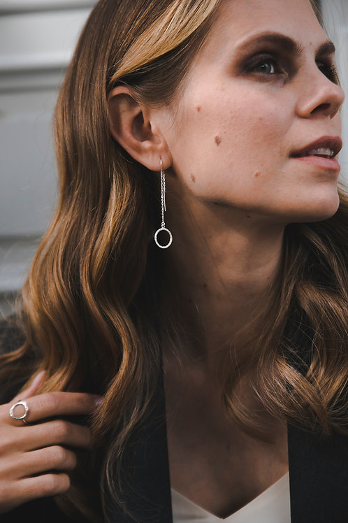 Earrings on chain with a crumpled circle // silver 925
