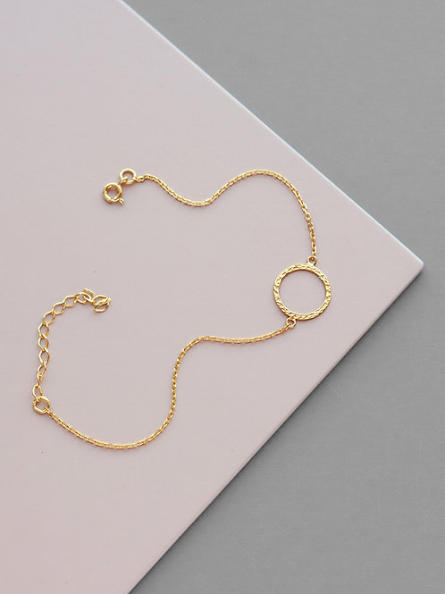 Crumpled circle bracelet // gold plated