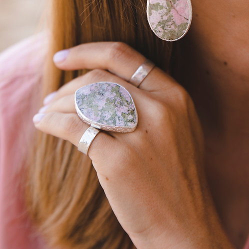 Ring with piemonite // silver 925
