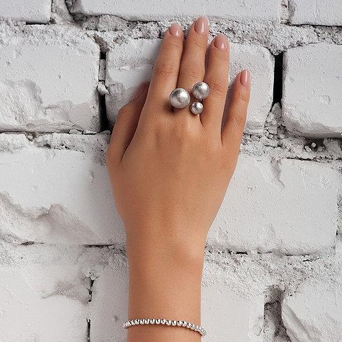 Ring with three beads // sterling silver, light matt