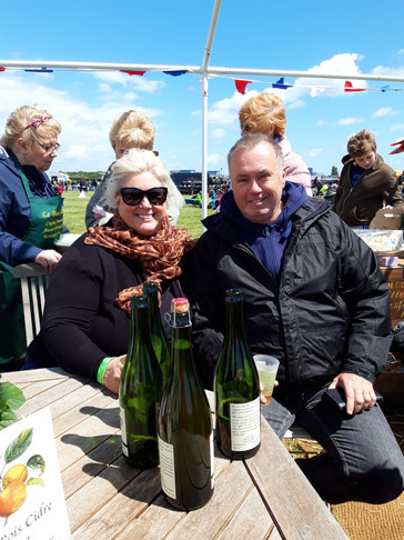 Couple enjoy Le Bois Cidre