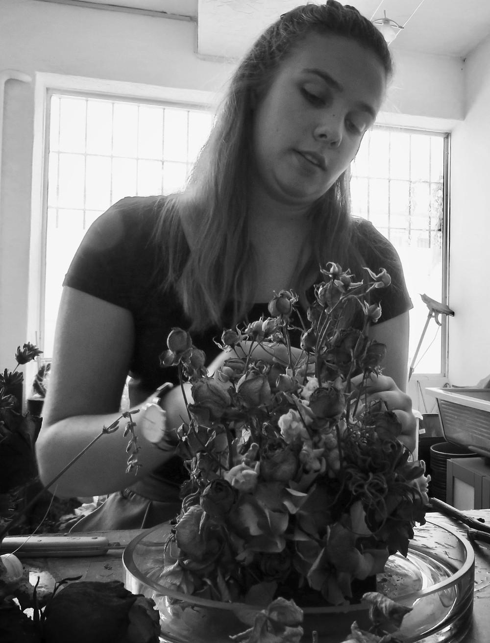 Léa, notre fleuriste stagiaire de l'été !