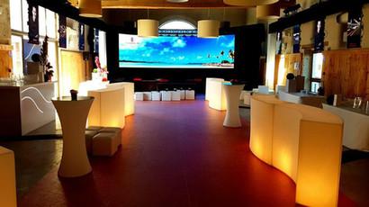 Mobilier lumineux by 7events Production création des espaces Lounge