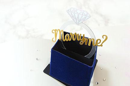 プロポーズや結婚記念日のサプライズに!オーダーメイドフォトブック・アルバムをプレゼントするならHearkoの【結BOOK】