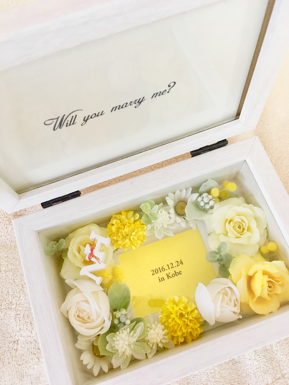 プロポーズにオーダーメイドフォトボックスをプレゼント