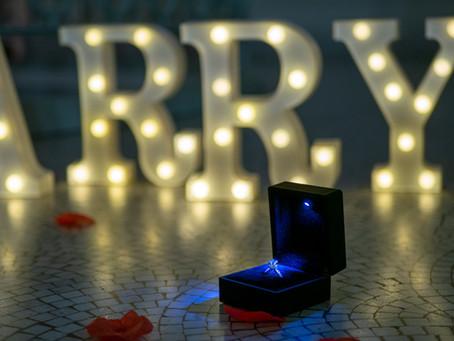 【女性の本音】プロポーズは夜景の見える高級レストランでダイヤの指輪を…は間違い?!