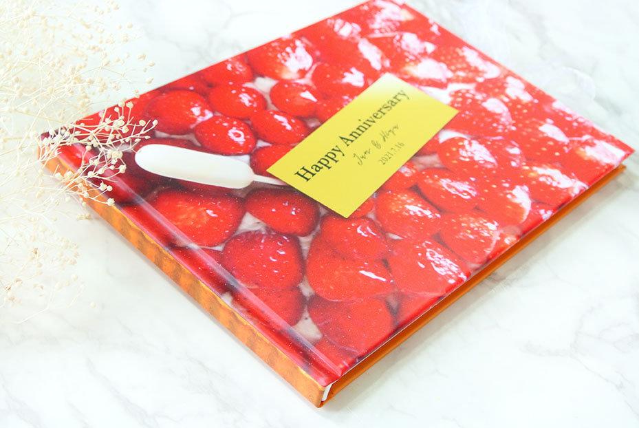 プロポーズや結婚記念日のプレゼントに!オーダーメイドのフォトブック・アルバムならHearkoの結BOOK