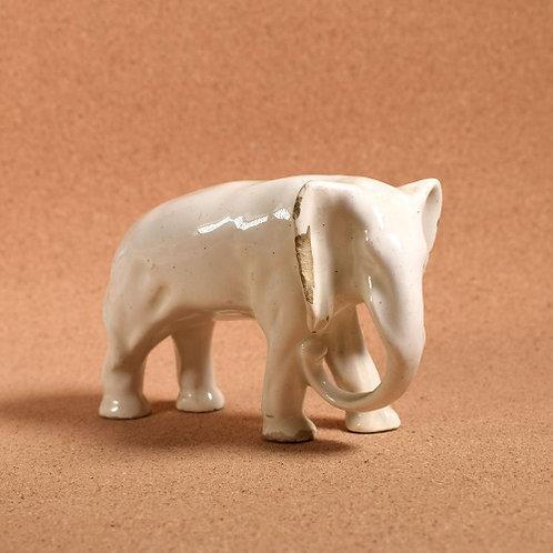 Фарфоровая фигурка «Белый слон». 13×8 см., СССР.