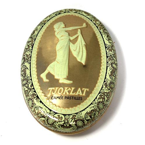 Коробка жестяная «Tjoklat Camée Pastilles» (3×18 см)