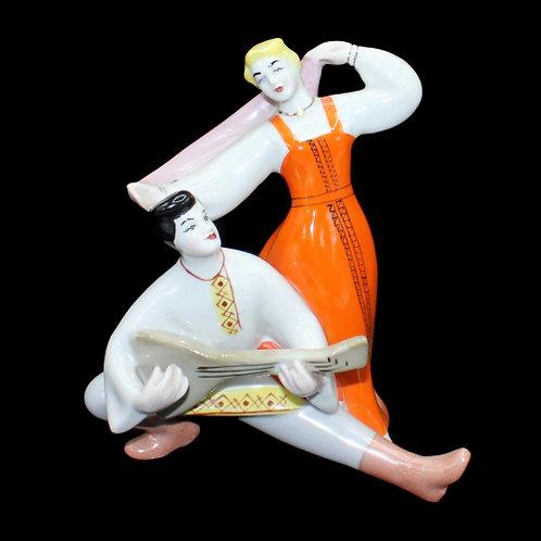 Статуэтка фарфоровая «Русский танец», ЗХК, Полонное, 16,5 см. СССР.