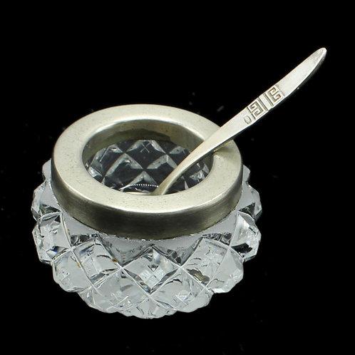 Солонка 7 см. с ложечкой 875 пробы серебра, 5,3 см, СССР.