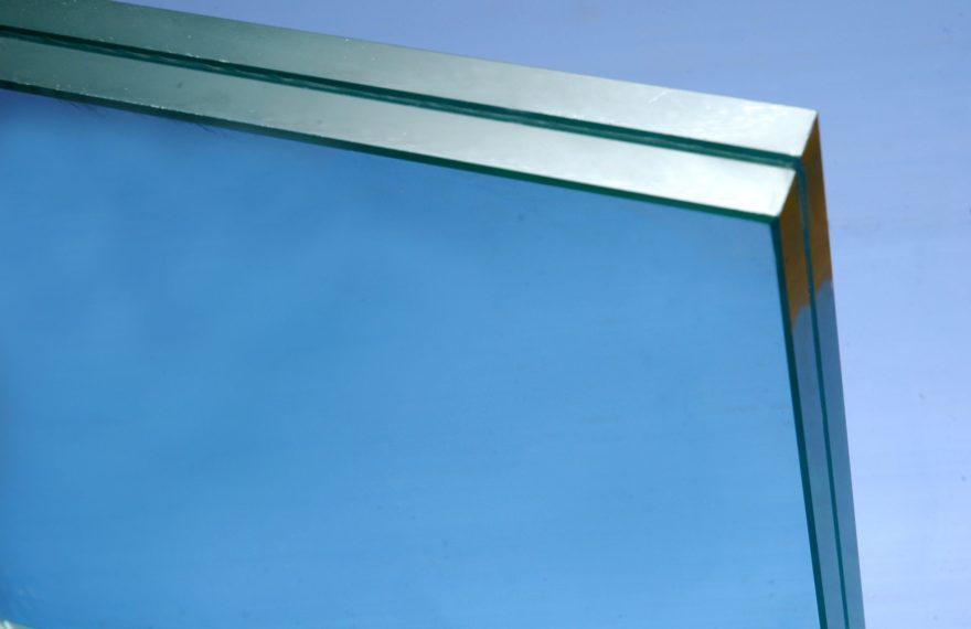 laminated_glass_strong-880x570.x60400