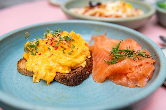 Royal Breakfast: Roerei Zalm