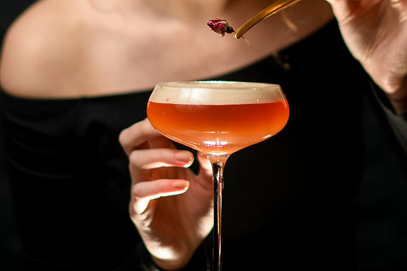 Red & Gold Daisy cocktail