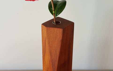 Shard vase - rimu