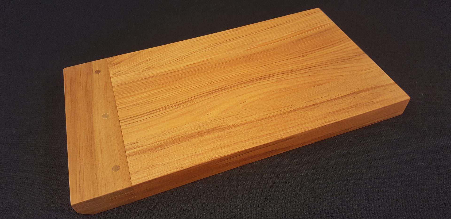 Breadboard end Sharing Platter in rimu
