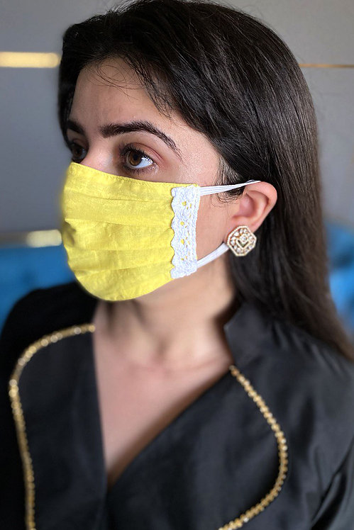 Yellow Queen Lace Mask