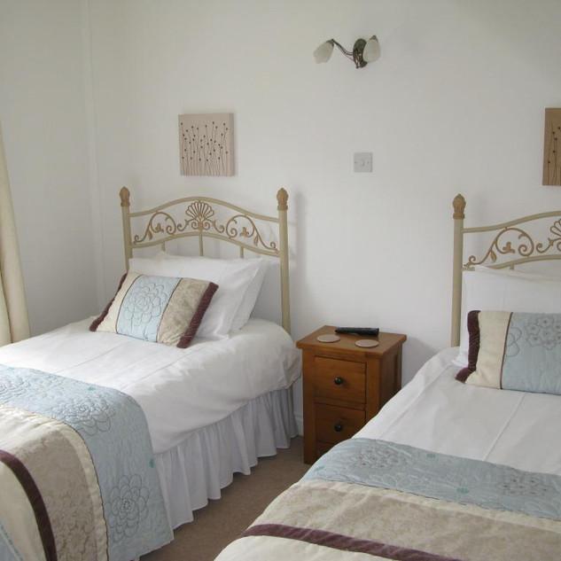 L'Eree Twin Bedroom