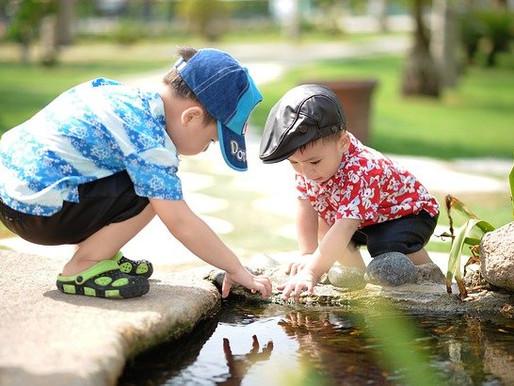 El juego al aire libre con niños
