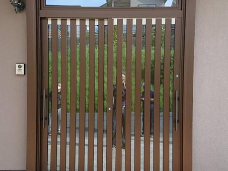 玄関ドアから引戸へリフォーム!!YKKAPかんたんドアリモ玄関引戸工事(水戸市)