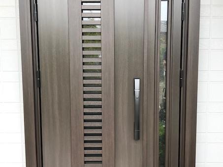 パナホームの玄関ドアをドアリモ通風タイプに(ひたちなか市)