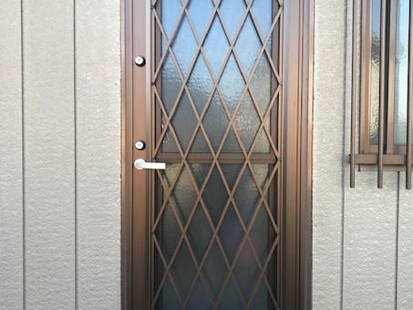 勝手口ドアを半日でリフォーム。安心で快適なドアへ。(石岡市)