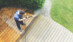 Deck cleaning fence cleaning