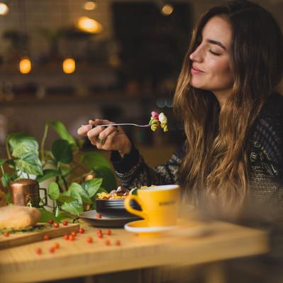 """Cinco maneras de aplicar el """"mindful eating"""""""