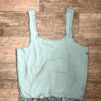 ¿Cómo hacer una bolsa reusable de una camiseta?