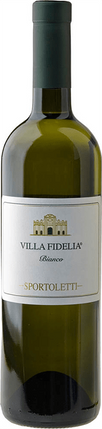 A botttle of Villa Fidelia white wine representing one of the finest italian wines that are born out of passion and respect for Umbrian tradition