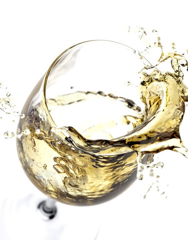 An image that shows a glass of white wine that if clicked will open the Italian white wine section of Sportoletti Umbrian white wine selection