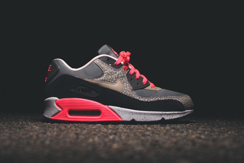nike-sportswear-2014-holiday-safari-pack-air-max-90-95-huarache-011.jpg
