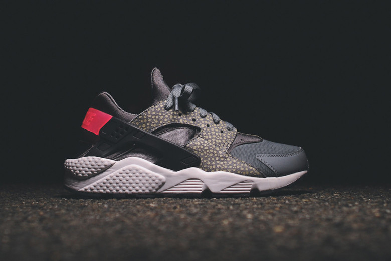 nike-sportswear-2014-holiday-safari-pack-air-max-90-95-huarache-05.jpg