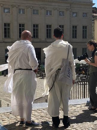 Prêtres au Palais des Papes