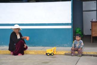 Grand-mère et fils à Patria, Réserve de Manu