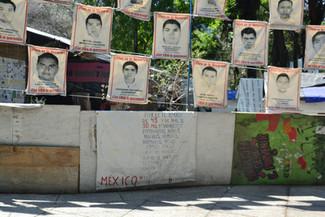 Cas Ayotzinapa : hommage aux 43 étudiants toujours disparus