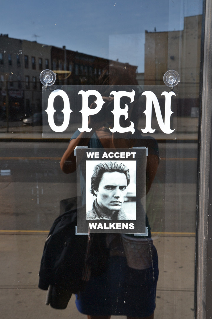 Open : We Accept Walkens