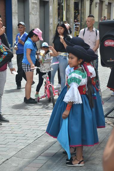 Jeune danseuse folklorique