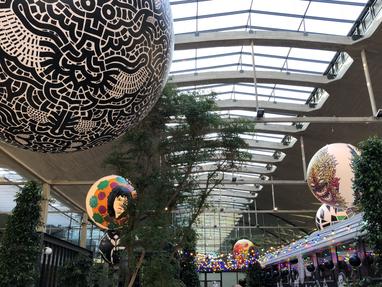 Inauguration en grandes boules de la Felicita