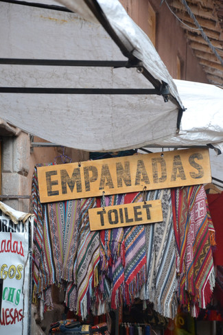 Toilettes & Empanad