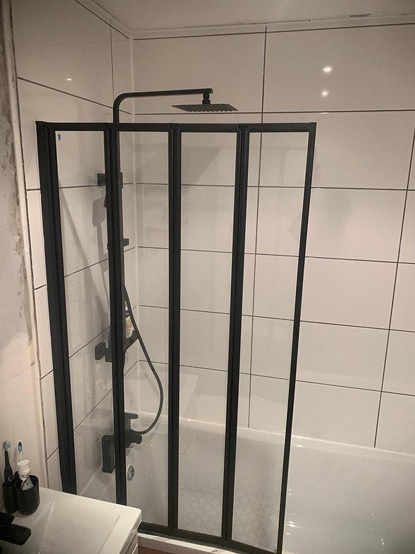 Foldable Shower Screen