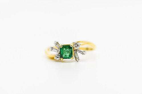 Diamond & Emerald Cocktail Ring 18K