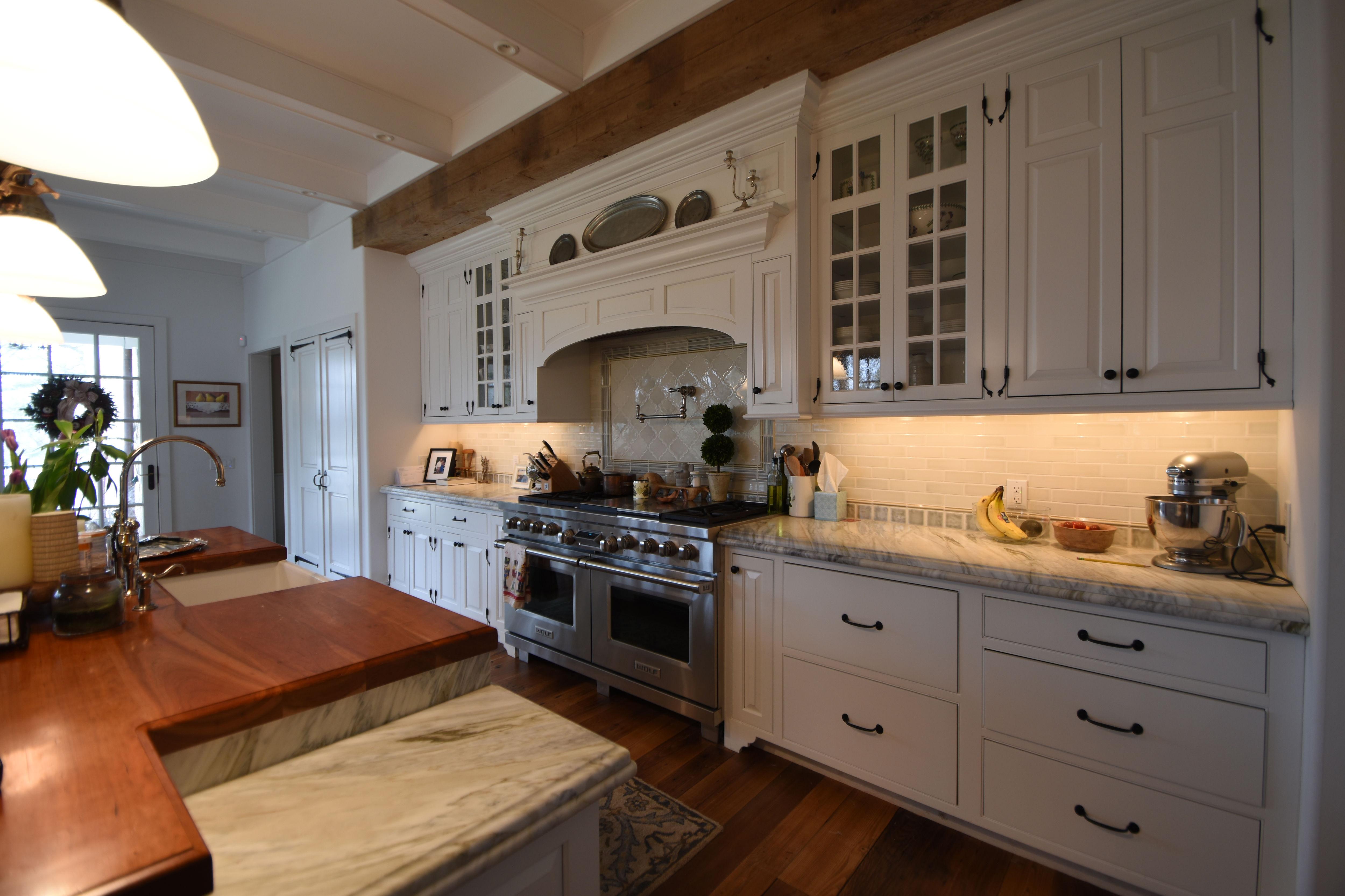 Kitchen music & lighting control