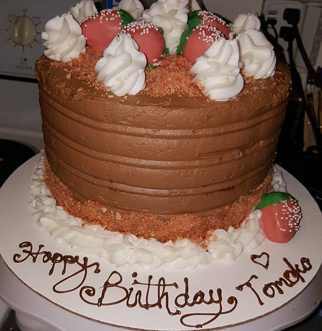 Its strawberry, chocolate, strawberry wi