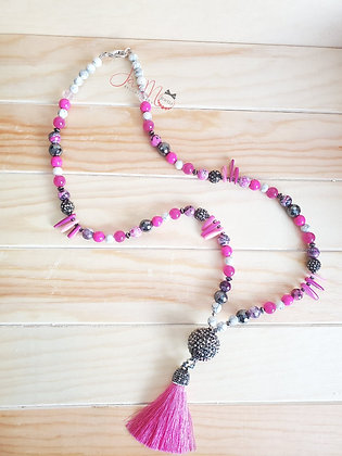 Living loud in Pink necklace